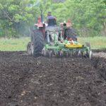 Ministro dijo que debe invertirse en infraestructura agrícola.