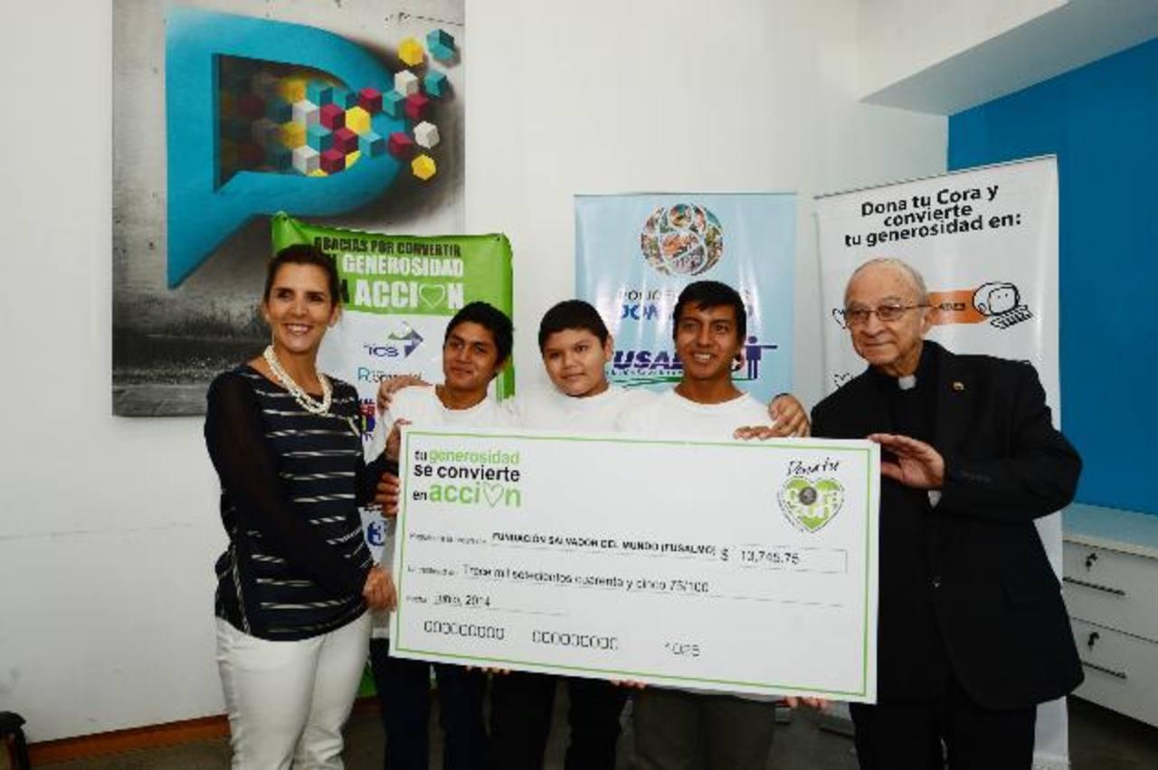 La fundación entregó a Fusalmo un donativo de 13 mil 745 dólares con 75 centavos. Fotos EDH / René Quintanilla