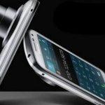 """Samsung presenta el Galaxy K Zoom, un """"smartphone"""" con cámara de muy alta calidad"""