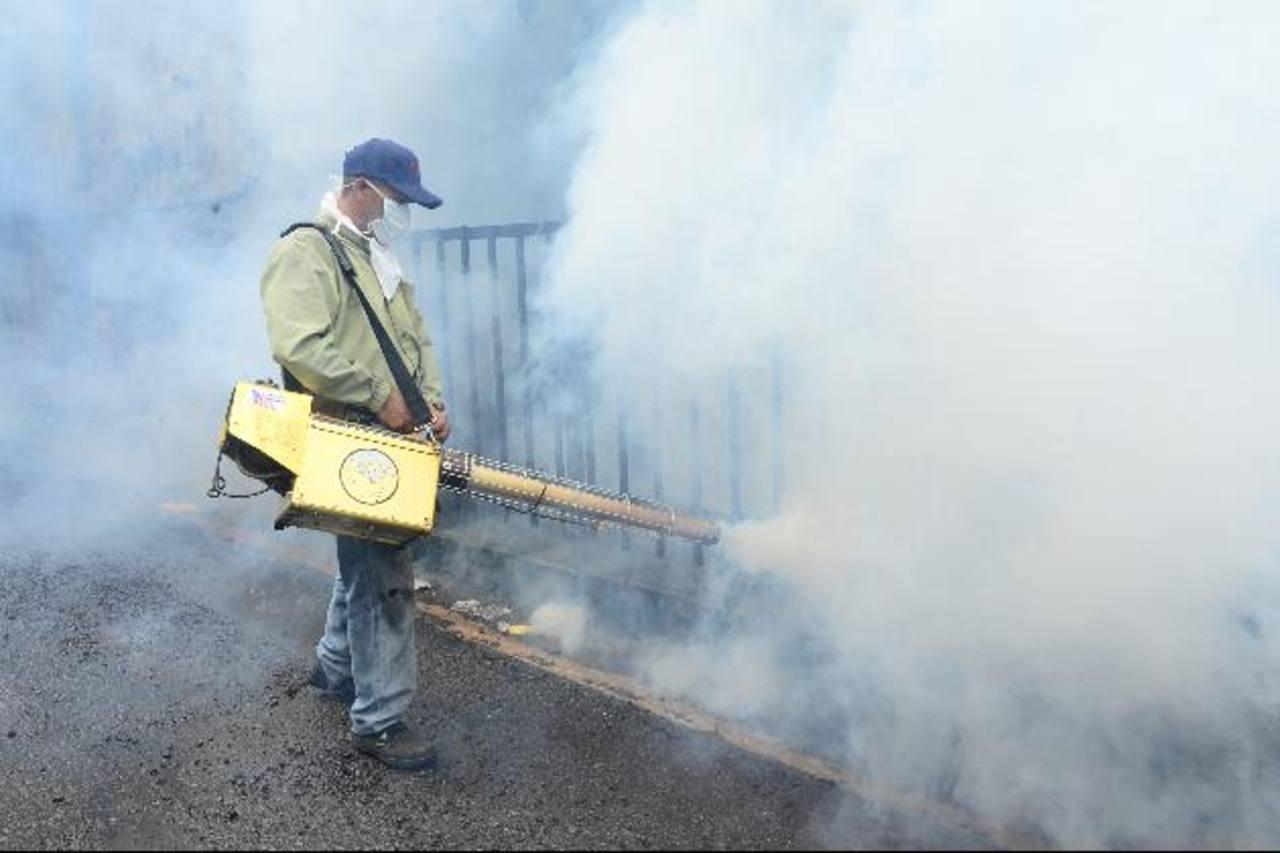 Salud sin emitir alerta por dengue