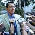 Mario Ponce considera que el Gobierno debe tener una política a favor del ahorro estatal y la austeridad. Foto EDH/ marvin recinos