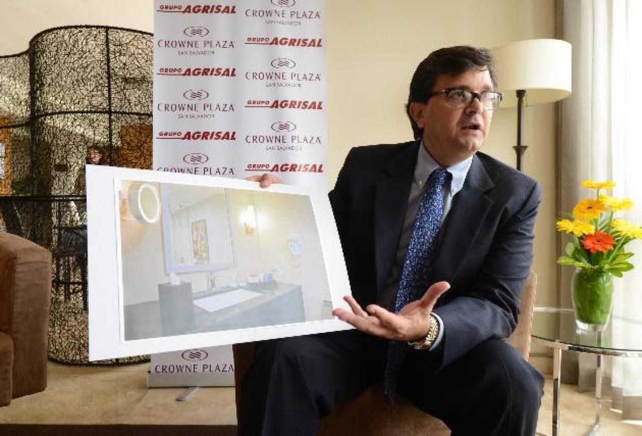 Eduardo Quinónez, director de la División Hotelera del Grupo Agrisal, presentó ayer las obras de revitalización que han efectuado en el Hotel Crowne Plaza entre 2013 y mayo 2014.