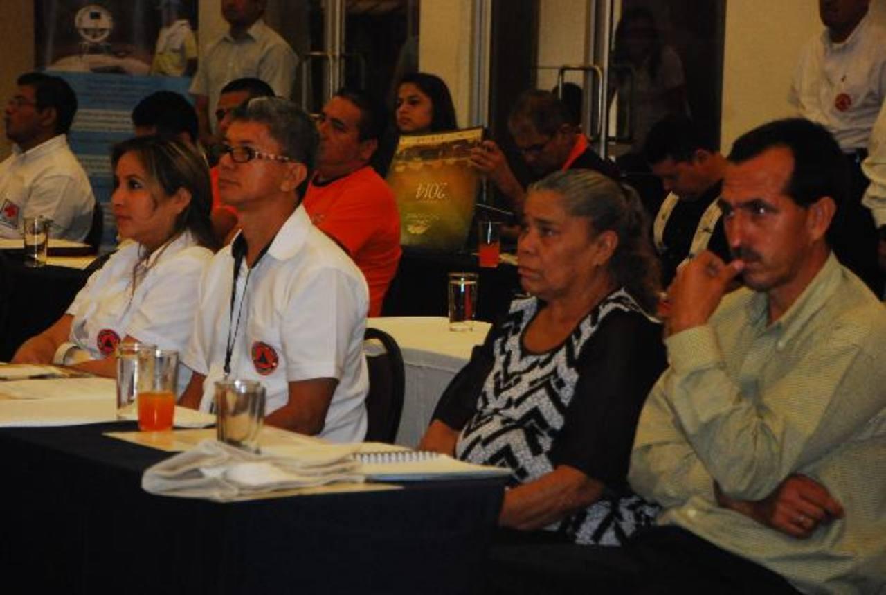 En el evento participaron representantes de Protección Civil de varios municipios de oriente. foto edh / JENNY VENTURA