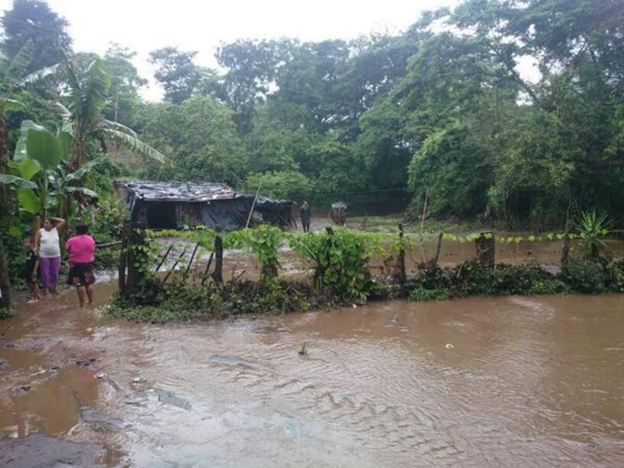 Cinco familias resultaron afectadas por las lluvias en Armenia.