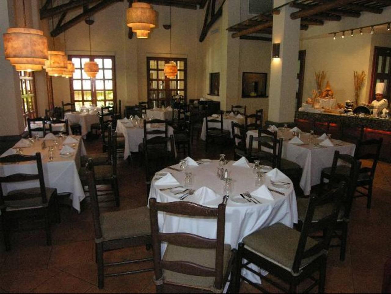 La mayor inversión será realizada por el Hotel Quality para amplia r su restaurante. Foto EDH /Archivo
