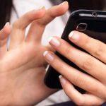 EEUU: Adolescentes beben menos, textean más