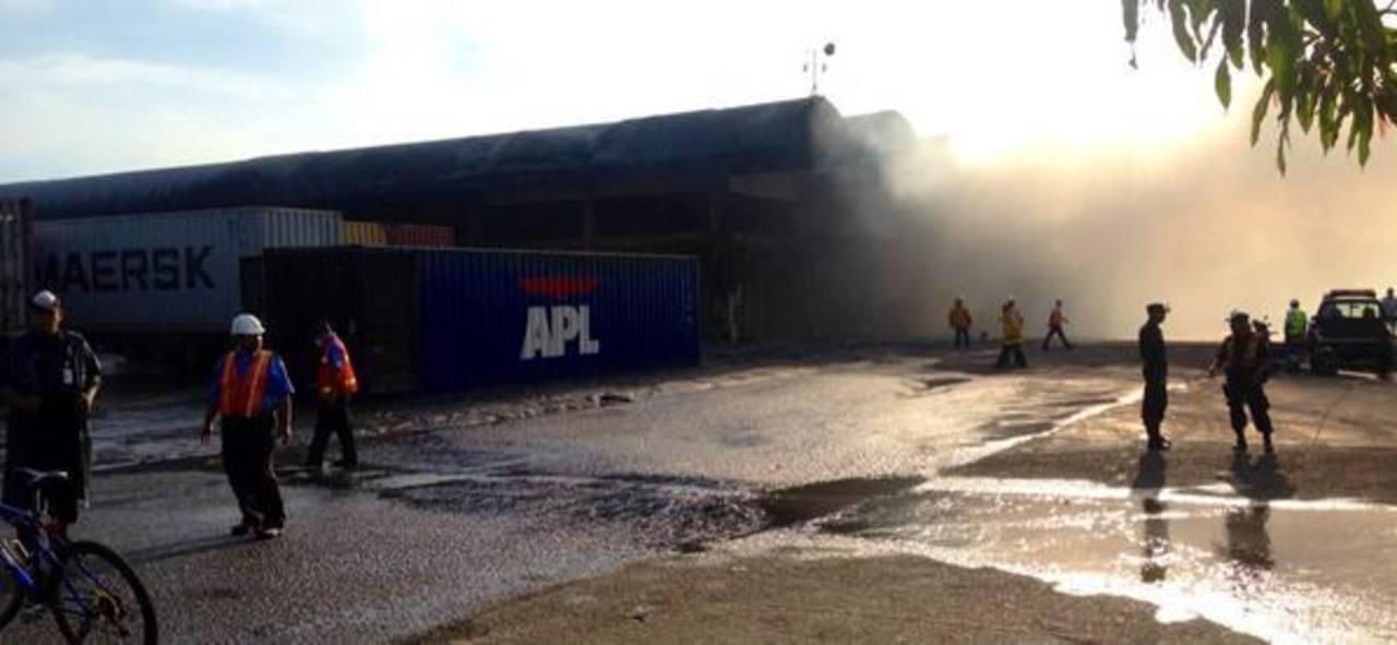 Incendio consume parte de bodega de Cepa en Sonsonate