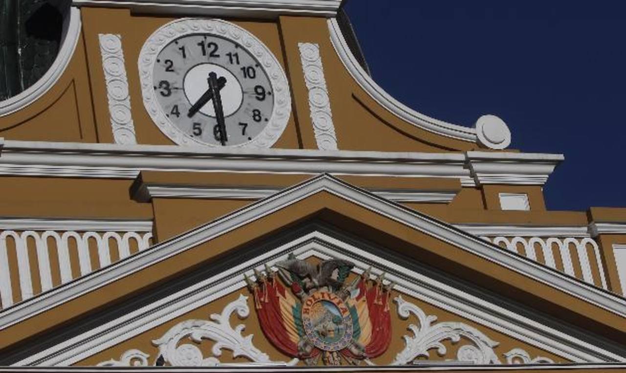 Reloj en reversa de Evo Morales confronta a bolivianos