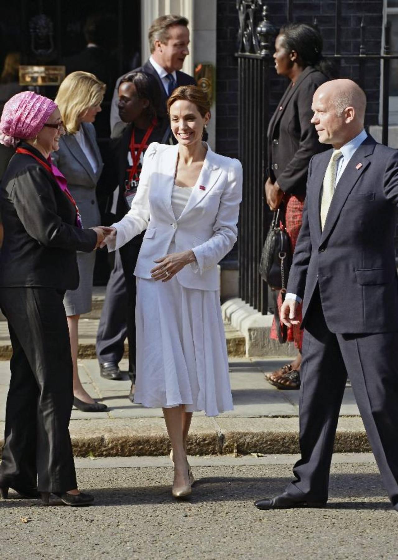 """Angelina Jolie: las violaciones son """"un arma de guerra"""" contra la población civil"""