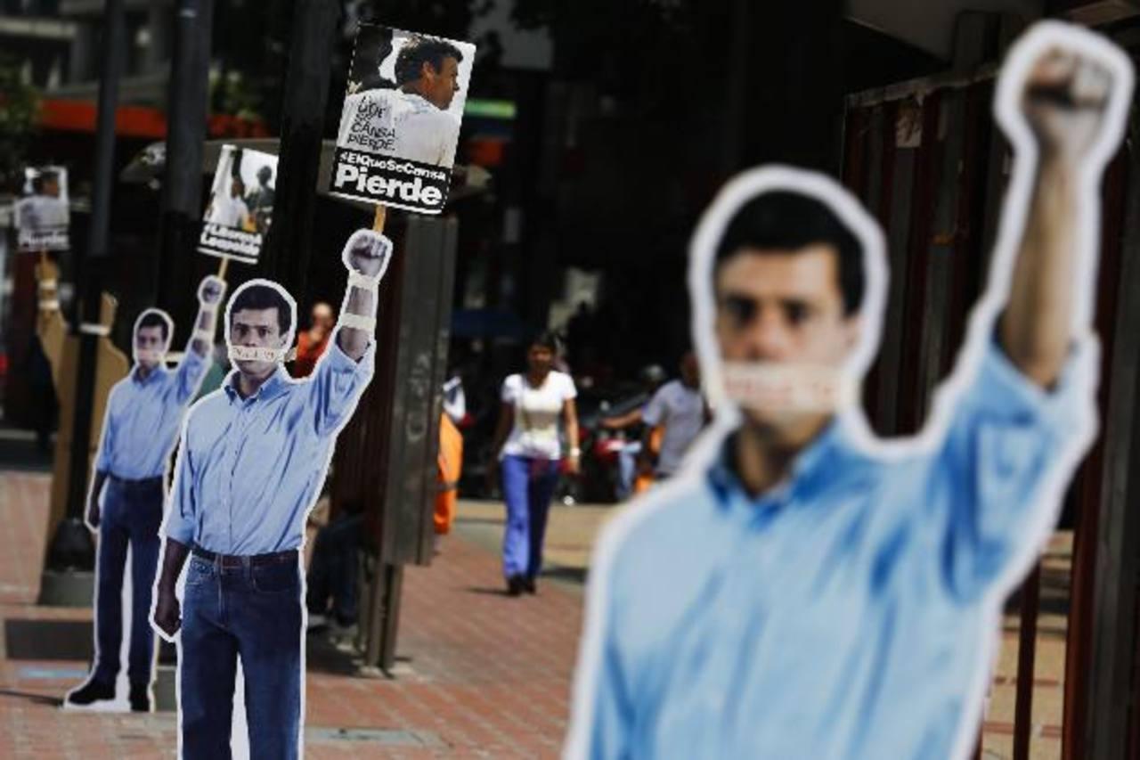 Carteles de Leopoldo López exigiendo su liberación invaden las calles de Caracas