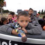 Pie de foto texto espacio para texto pi texto o texto espacio para texpie foto. foto edh / Tomado de @MaryMurrayNBCVarios niños viajan junto a un grupo de inmigrantes, la mayoría de ellos de Honduras, Guatemala y El Salvador, que en mayo pasado cruzó