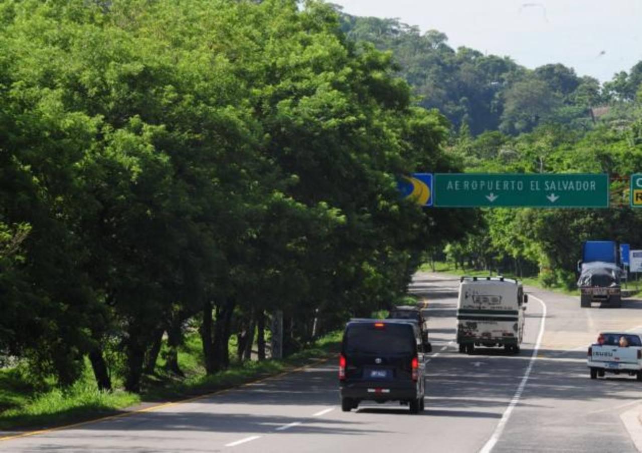 Salvador Sánchez Cerén dijo que ampliarán el aeropuerto de El Salvador