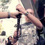 Video: Metaleros cambian su cabellera por entradas a un concierto