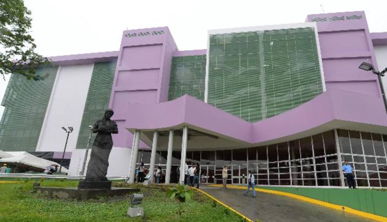 """El Presidente dijo que nombrará al Hospital Nacional de la Mujer como """"Doctora María Isabel Rodríguez"""""""