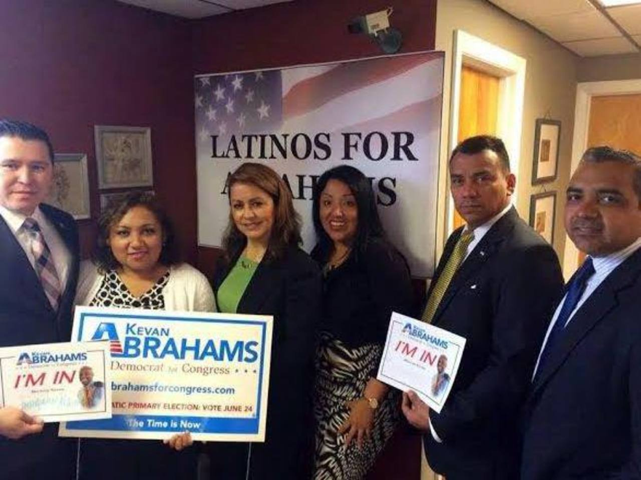 Polémica por apoyo de salvadoreños a un candidato al Congreso