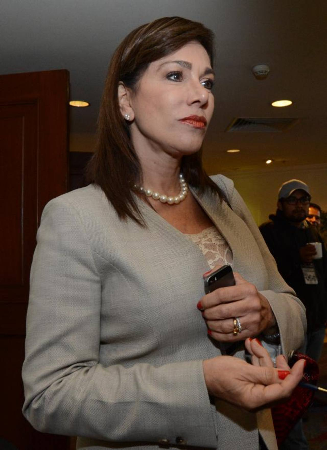 La Asamblea sigue proceso en contra de la diputada Ana Vilma de Escobar, de ARENA.