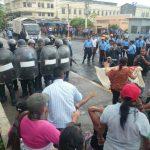 CAM desaloja a vendedores en el centro de San Salvador