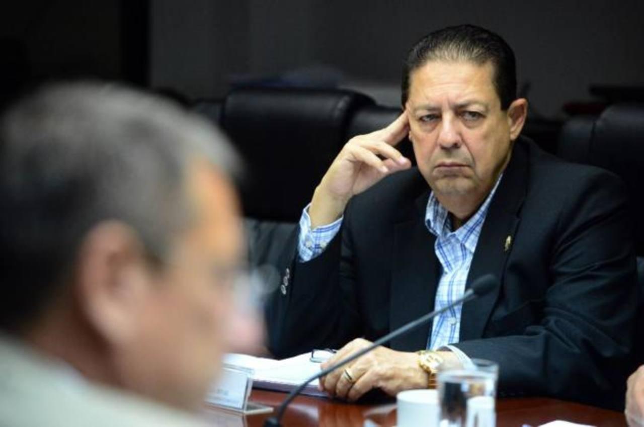 Asamblea pagará unos $90 mil en sueldos retenidos a diputado Rodrigo Samayoa