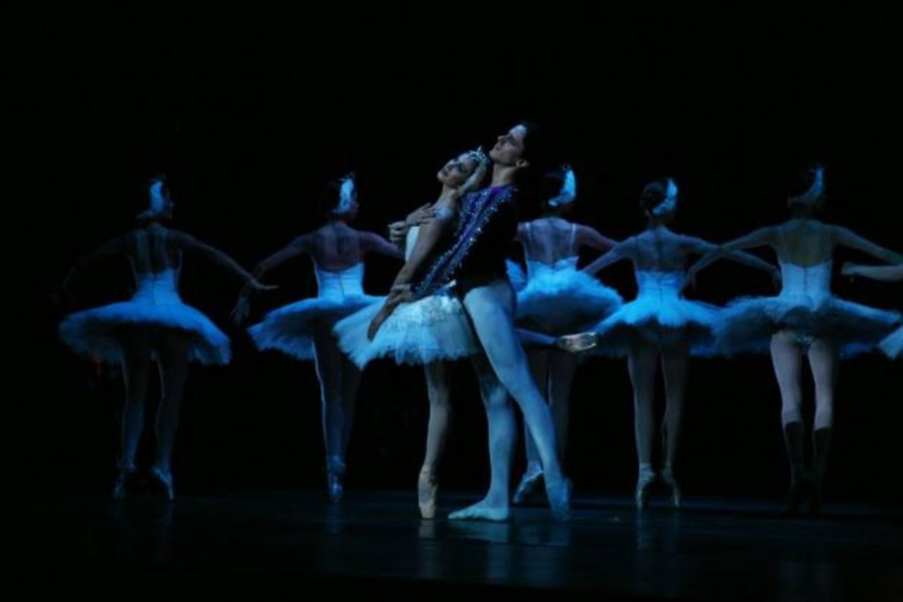 El pasado sábado, seis bailarines, dos chicas y cuatro chicos, desertaron en Puerto Rico y ya están en Miami. foto edh / internet