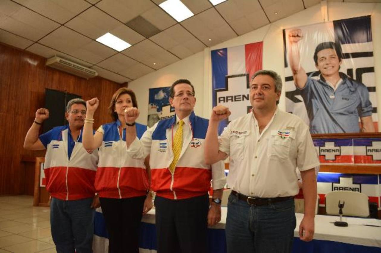 Ramón Sanfeliu, Leonie de Valdez, Jorge Velado y Ricardo Martínez son los miembros del CEN. foto edh / Mario Amaya