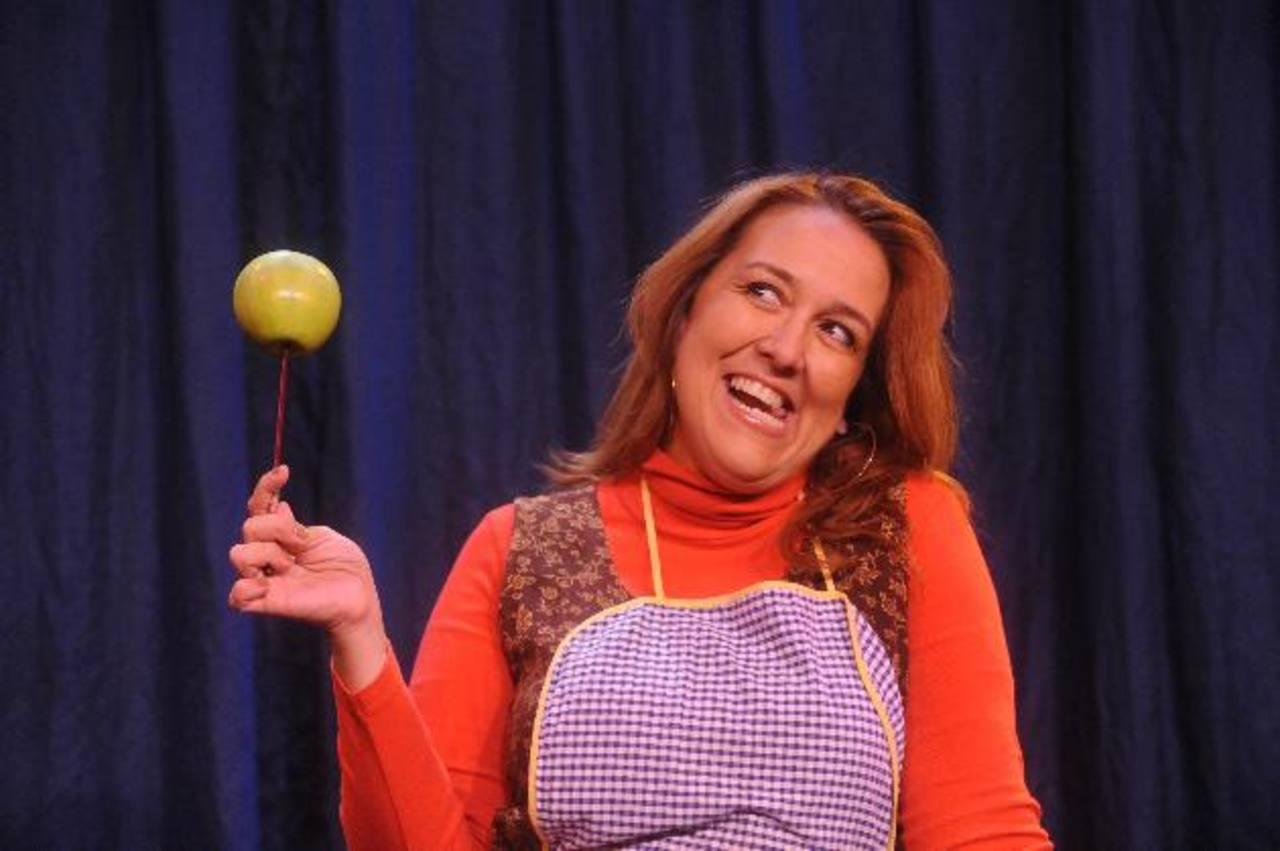 """Regina Cañas ha presentado la obra """"Baby Boom en el paraíso"""" en carnavales artísticos, centros comerciales, Teatro Luis Poma y a nivel regional. Fotos EDH/ Lissette Monterrosa"""