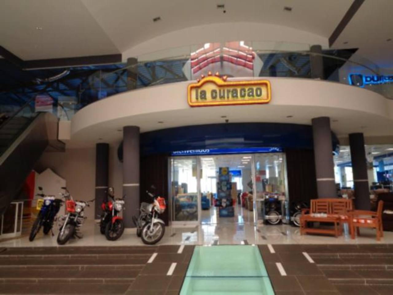 La tienda cuenta con horarios extendidos: De lunes a sábado de 9:00 a.m. a 7:00 p.m. y domingo de 10:00 a.m a 5:00 p.m.