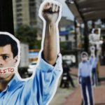 Leopoldo López irá a juicio y seguirá detenido