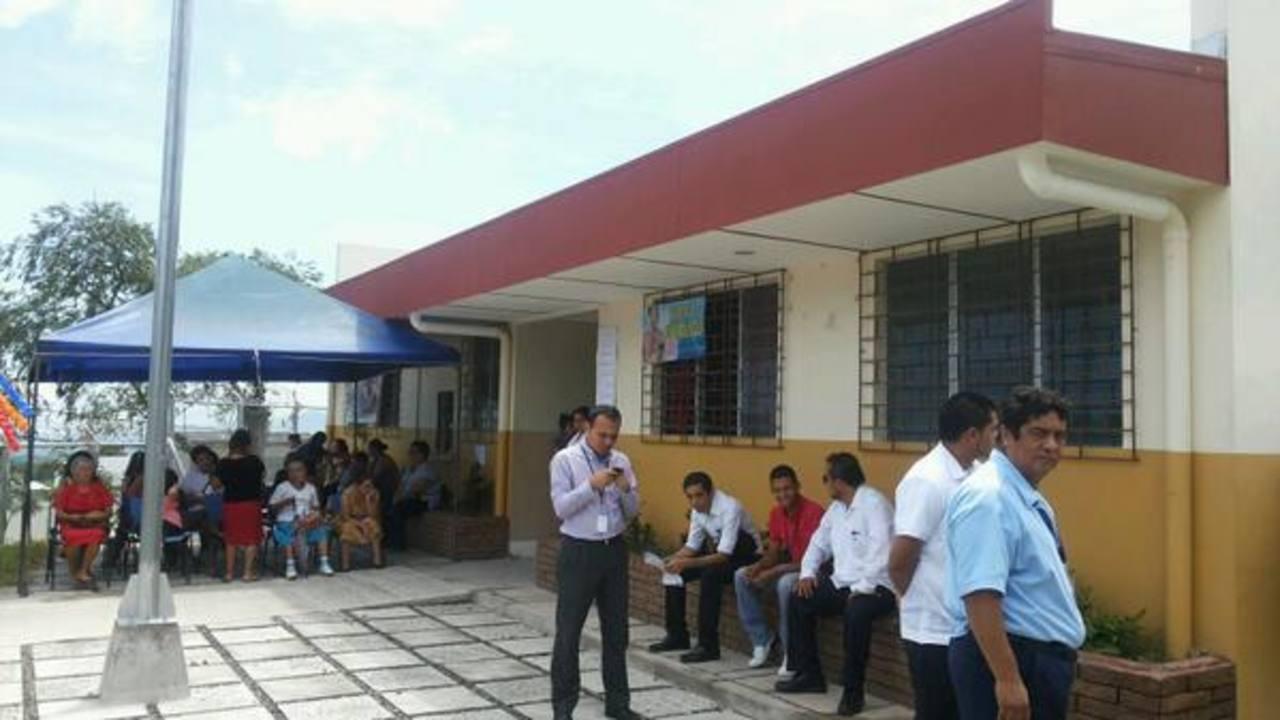 Las autoridades inauguraron oficialmente las instalaciones de la Unidad Comunitaria de Salud en la Santísima Trinidad, en Ayutuxtepeque.