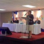 Embajadora Aponte pide a salvadoreños no enviar a niños solos a Estados Unidos