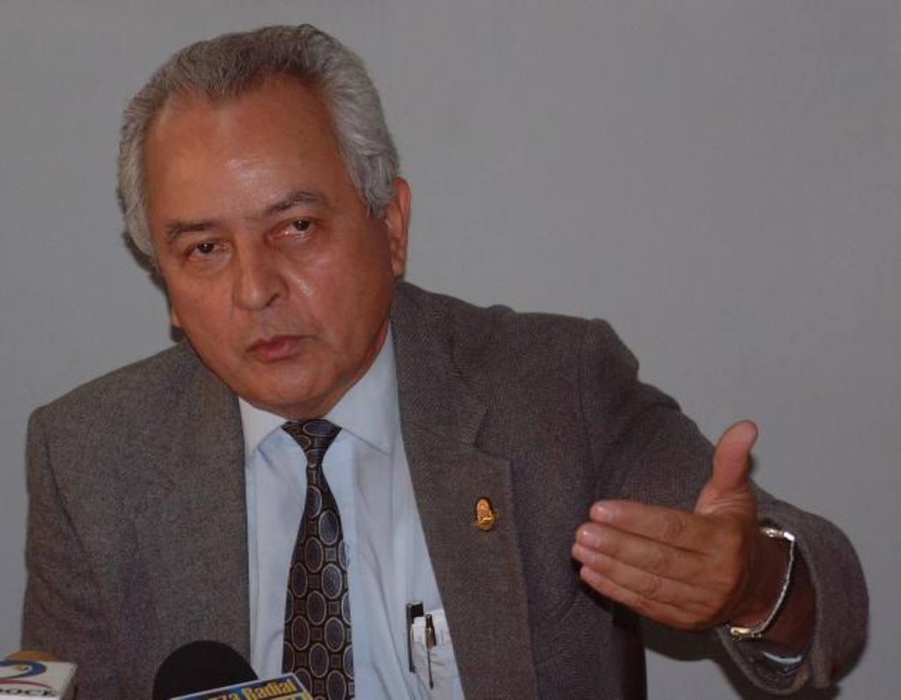 El magistrado suplente de la Sala de lo Constitucional, Francisco Eliseo Ortiz Ruiz. Foto EDH / archivo