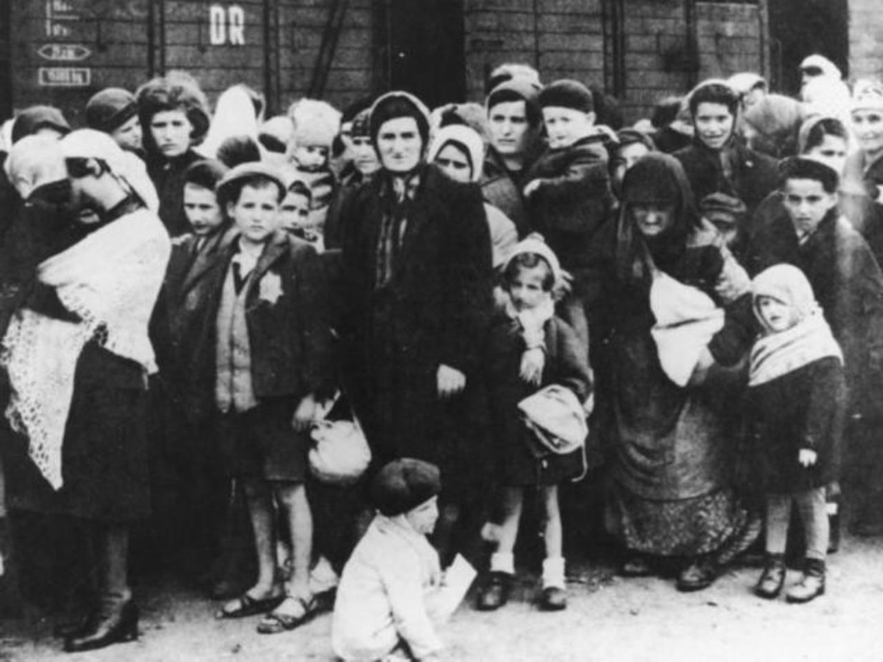 Las fotografías también revelan diversos hechos suscitados durante la Segunda Guerra Mundial. Foto/Cortesía