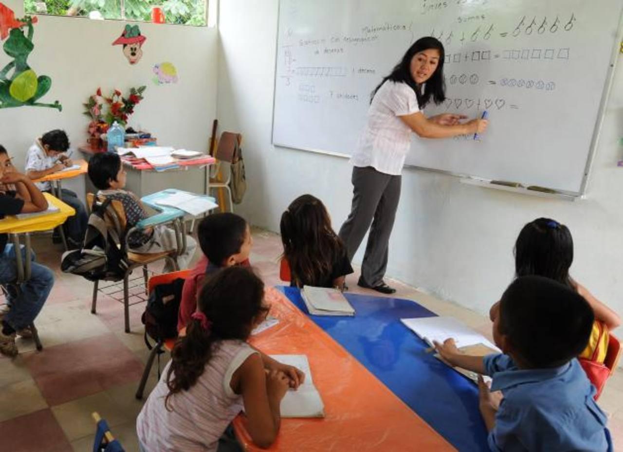 Las escuelas del exprograma Educo funcionan con directores ad honórem. Foto EDH / archivo