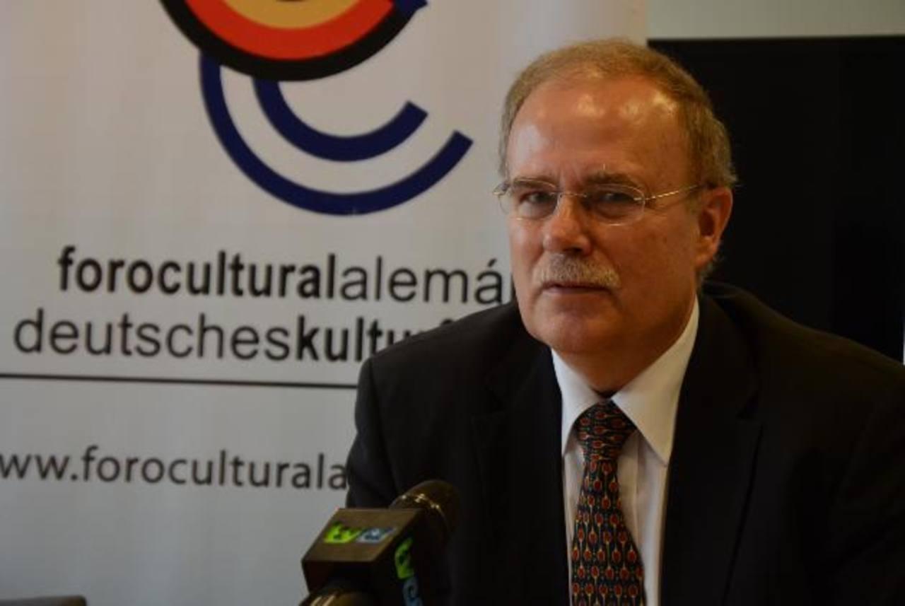 El embajador de Alemania en El Salvador, Heinrich Haupt, destacó que se debe incentivar la inversión. foto EDH / archivo