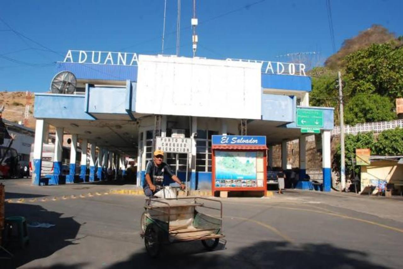Los salvadoreños fuero detenidos en la aduana de El Amatillo