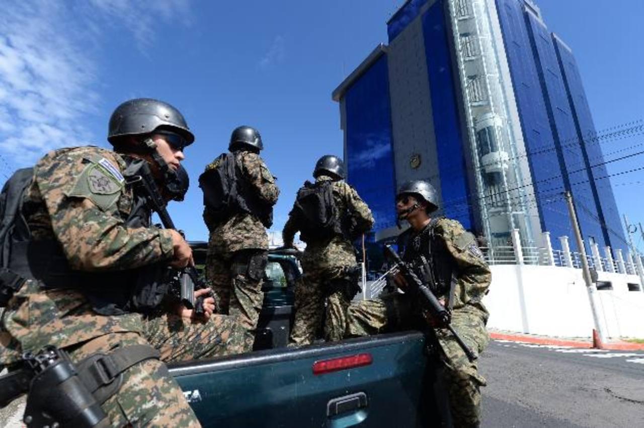 Fuerte despliegue militar para custodiar a Munguía Payés