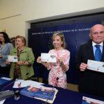 Los sellos ya están en circulación en las oficinas de correos a nivel nacional. Foto EDH / René Quintanilla