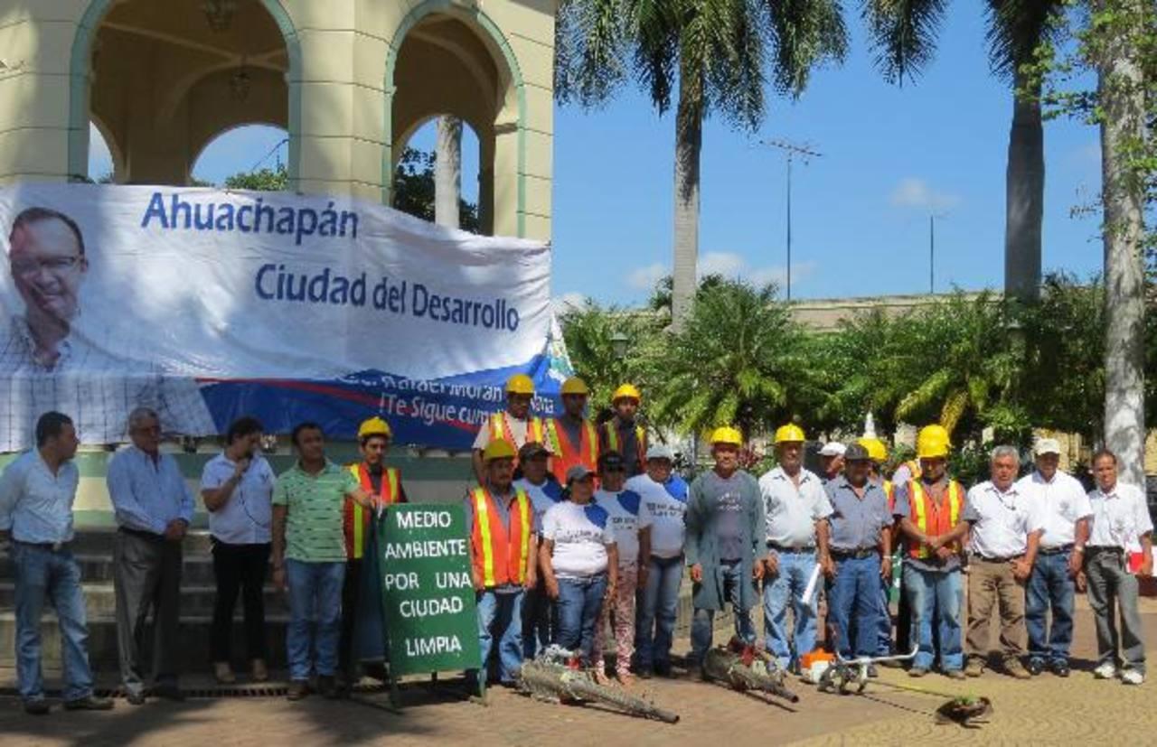 La actividad comenzó ayer y se extenderá durante varias semanas en todo el municipio. Foto EDH / Roberto Díaz Zambrano