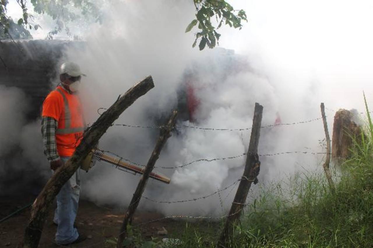 Piden sanciones para personas que no colaboren en el combate contra el dengue