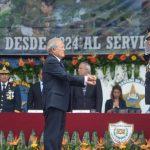 El Presidente Salvador Sánchez Cerén recibió el Bastón de Mando por parte del Ministro de Defensa, David Munguía Payés