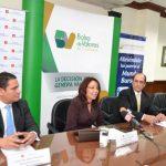 Lorena Rubio, gerente general de G&T Continental habla del destino de los fondos colocados ayer. Foto EDH/ Mario Díaz