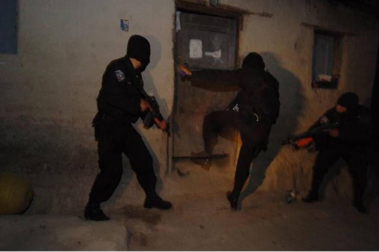 Simulan ser policías y acribillan a joven en Panchimalco