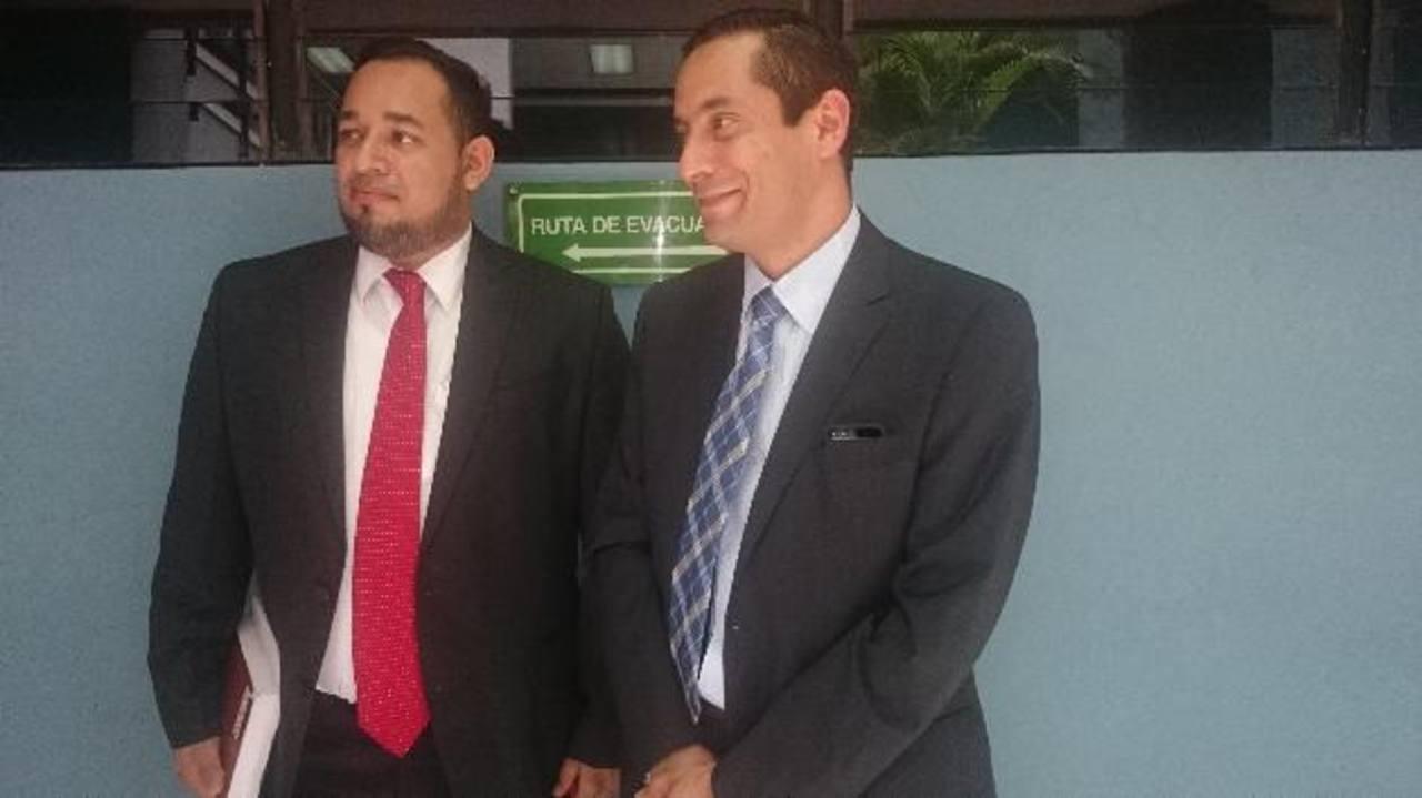 De izquierda a derecha, el abogado Samuel Merino y el directivo de LaGeo en El Salvador, Alberto Imberton. Foto EDH.