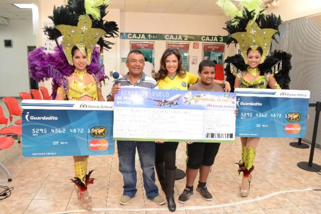 Los ganadores disfrutarán de la fiesta carioca, gracias a la promoción de Banco Azteca, busque más información de futuras promociones en www.bancoazteca.com.sv.