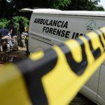 En el kilómetro tres de la carretera antigua a Zacatecoluca fue encontrado el cuerpo de un hombre. Foto EDH / JAIME ANAYA.