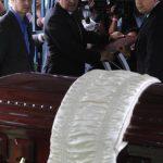 La madre del exmandatario fue sepultada ayer por la tarde, luego del acto de traspaso de mando. foto edh / Miguel Villalta