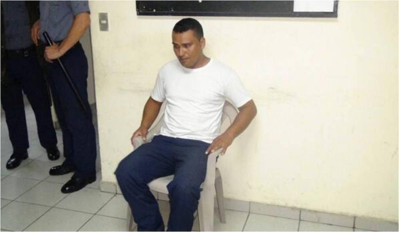 Detienen a custodio que intentó meter droga a penal La Esperanza