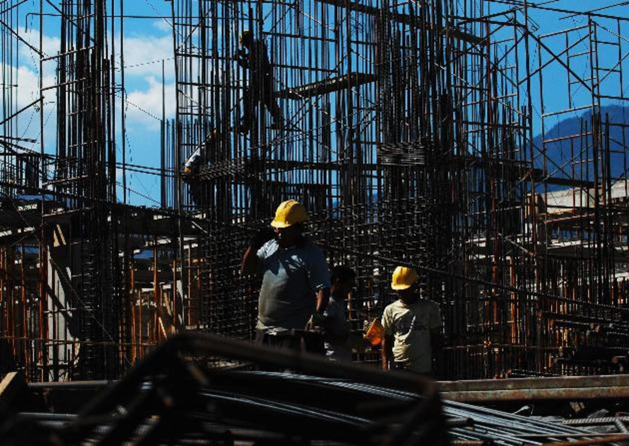 La proyección de crecimiento de El Salvador hasta 2016 posiciona al país entre aquellos que crecerán menos en toda la región. Foto edh /archivo