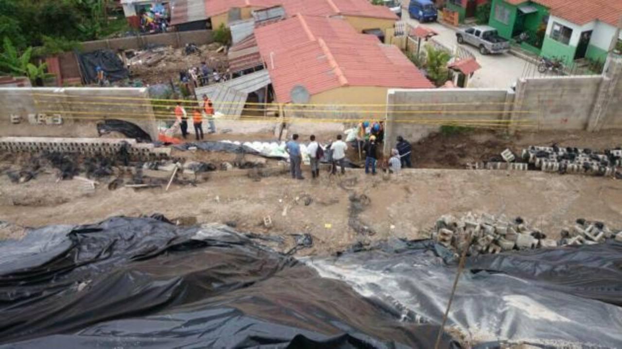 Evalúan daños por lluvias en comunidad Nueva Esperanza, en Nuevo Cuscatlán.