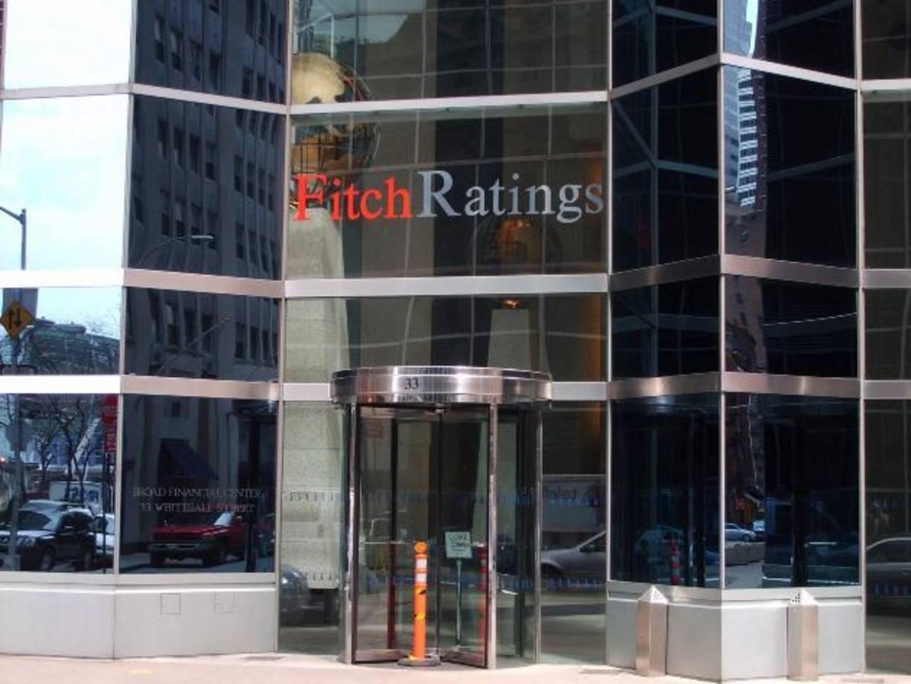 La agencia de calificación Fitch Ratings, emitió ayer su evaluación de país. Foto EDH