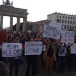 Miles de personas se manifiestan para exigir referéndum en España